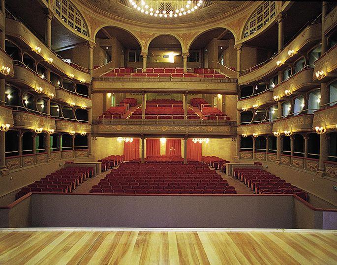 Teatro malibran noleggio sale teatro la fenice fest fenice for Fenice design sedie ufficio
